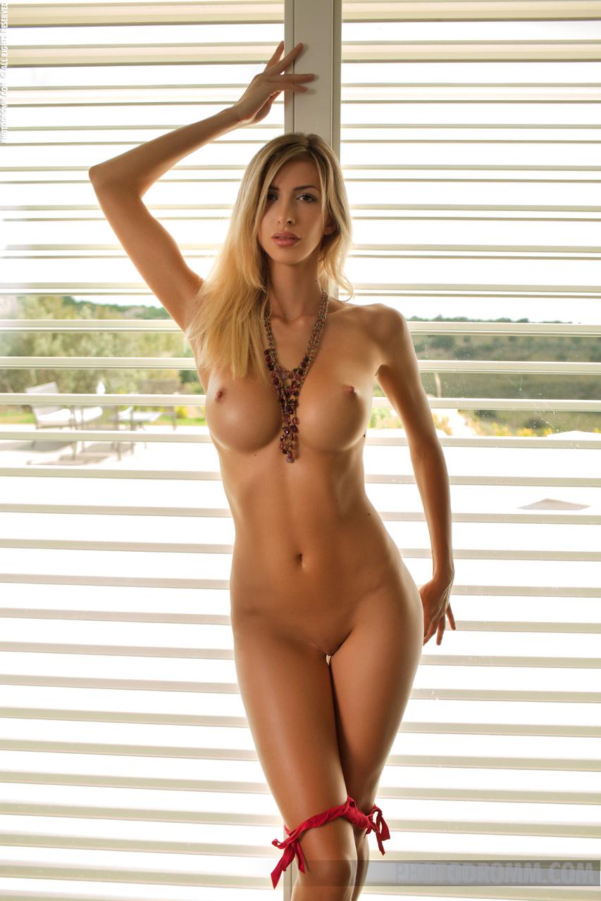Long legs nude — 3