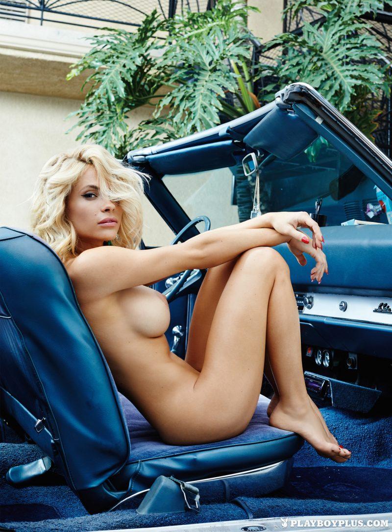nude girls in cars