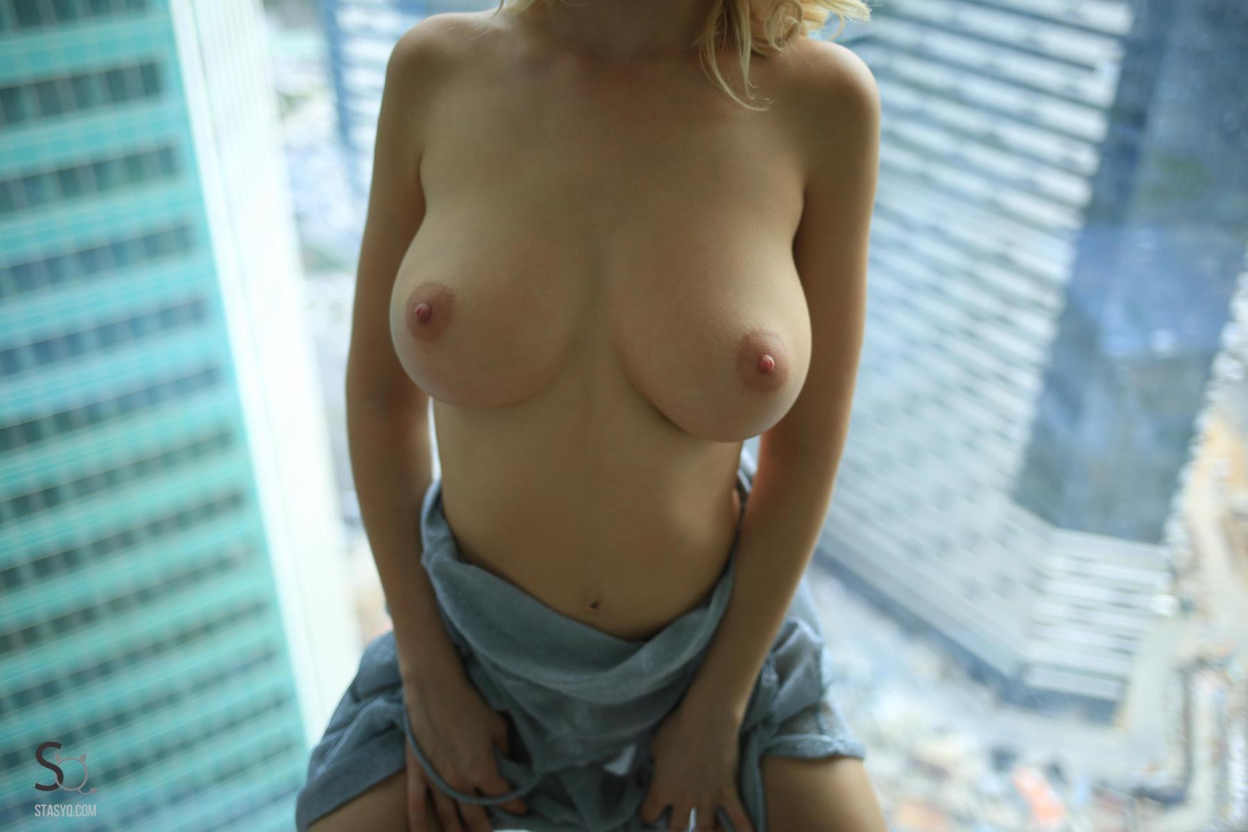 monroq-blonde-boobs-naked-bathroom-window-stasyq-10