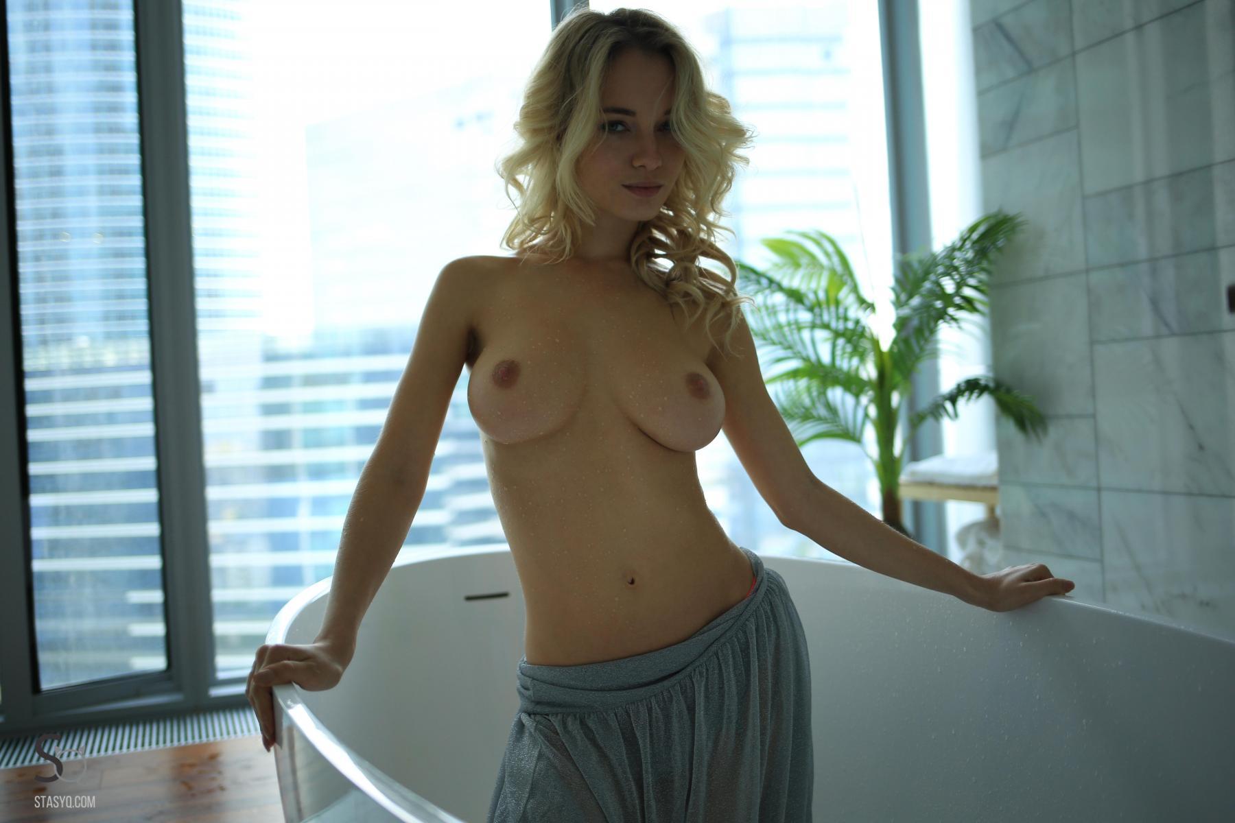 monroq-blonde-boobs-naked-bathroom-window-stasyq-20