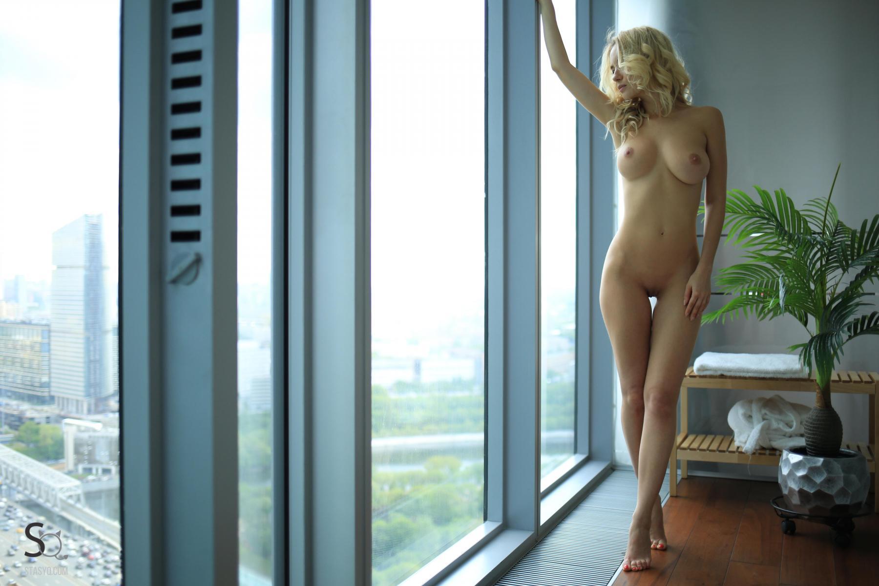 monroq-blonde-boobs-naked-bathroom-window-stasyq-36