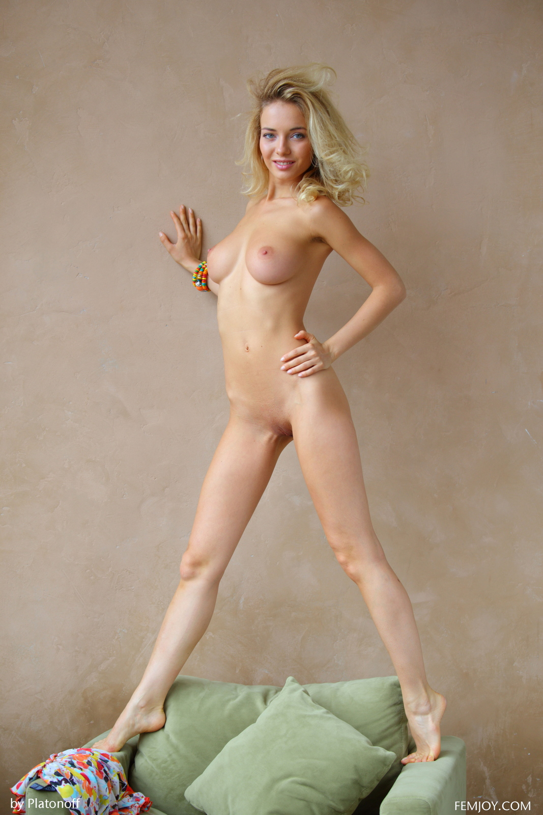 annabell-boobs-blonde-green-armchair-nude-femjoy-19