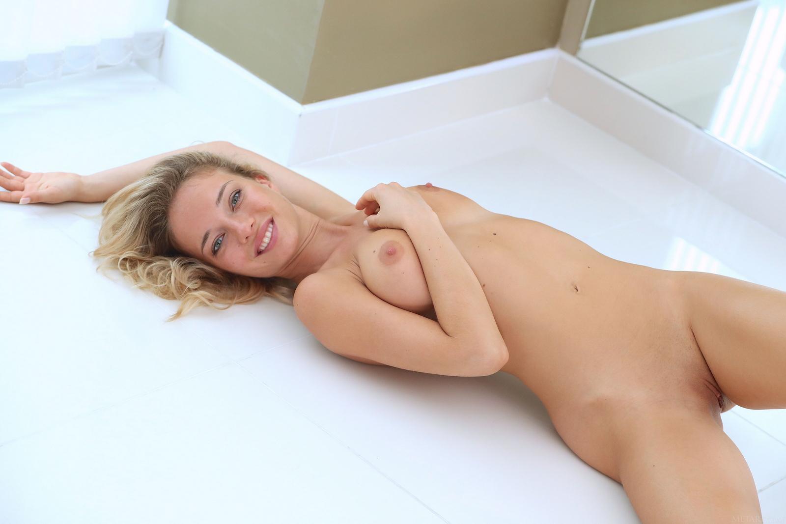 danica-jewels-mirror-blonde-naked-tits-metart-38