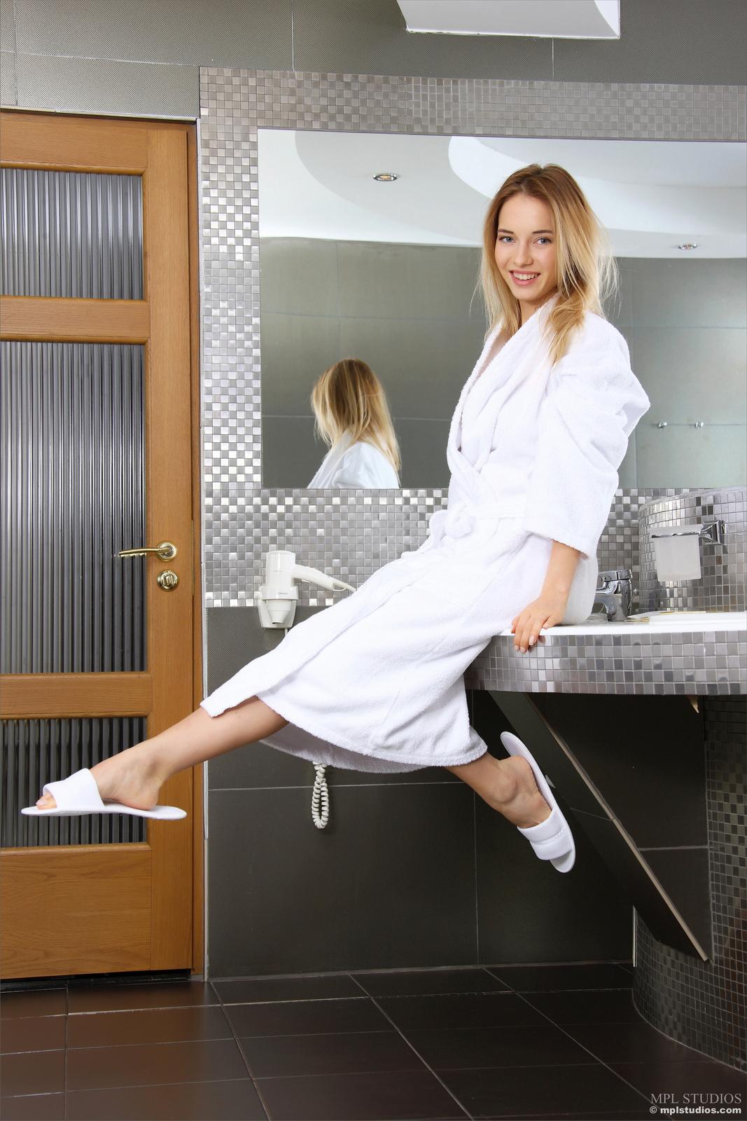 danica-bathroom-blonde-dressing-gown-naked-mplstudios-02
