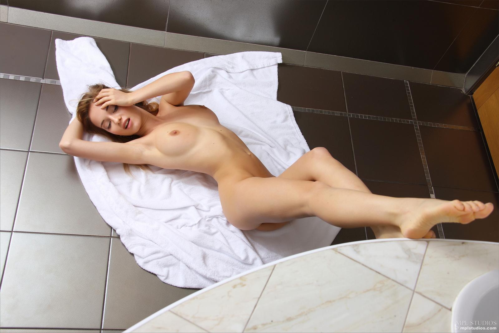 danica-bathroom-blonde-dressing-gown-naked-mplstudios-34