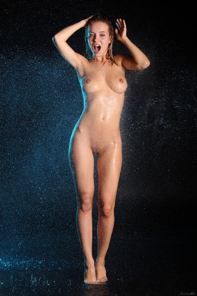 delilah nude