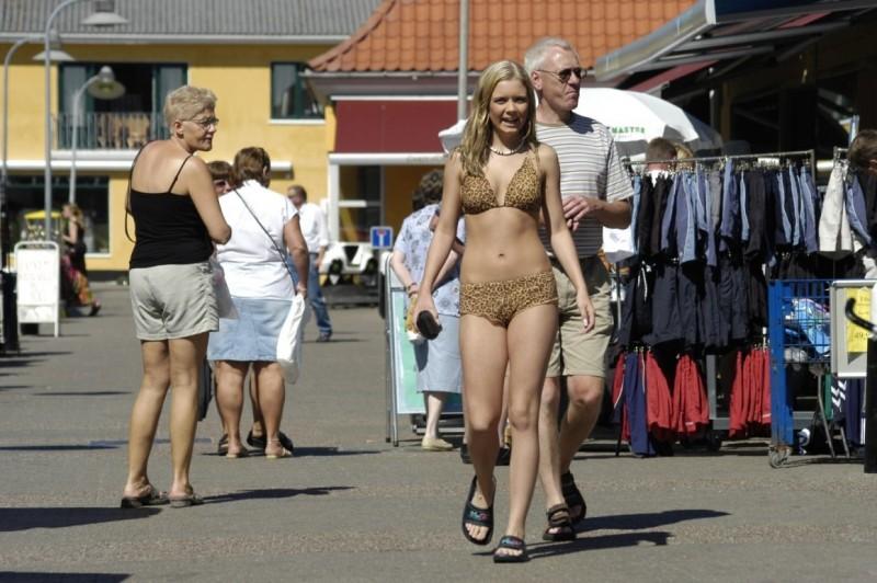 Naked photo slut