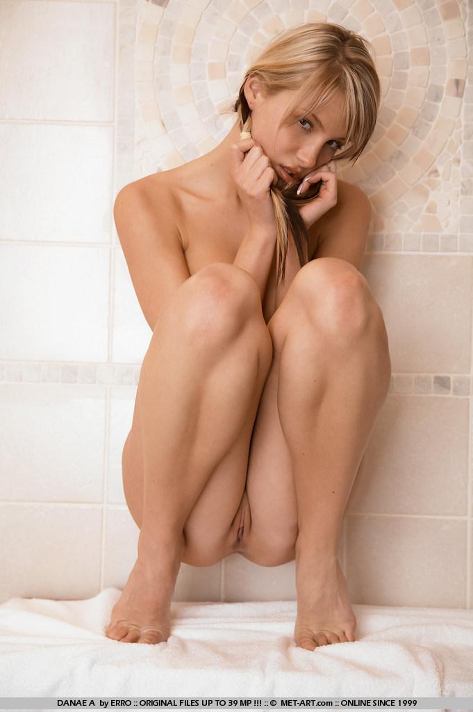 sexist nude pics