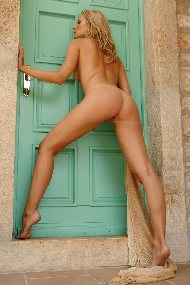 Denisa Markova  Naked At The Door - Redbust-7413