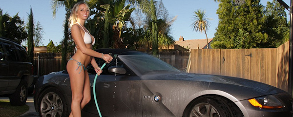 Devin Justine – Washing BMW Z4