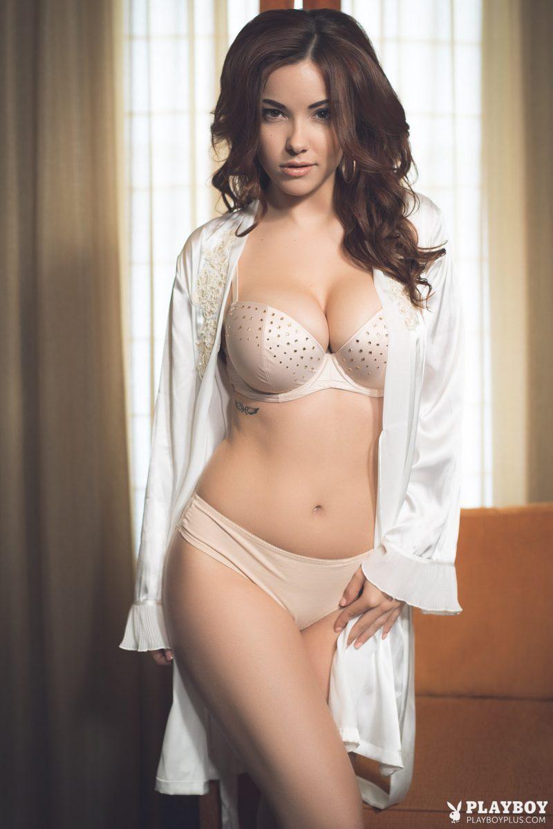 Coogan nackt Lauren  41 Hot