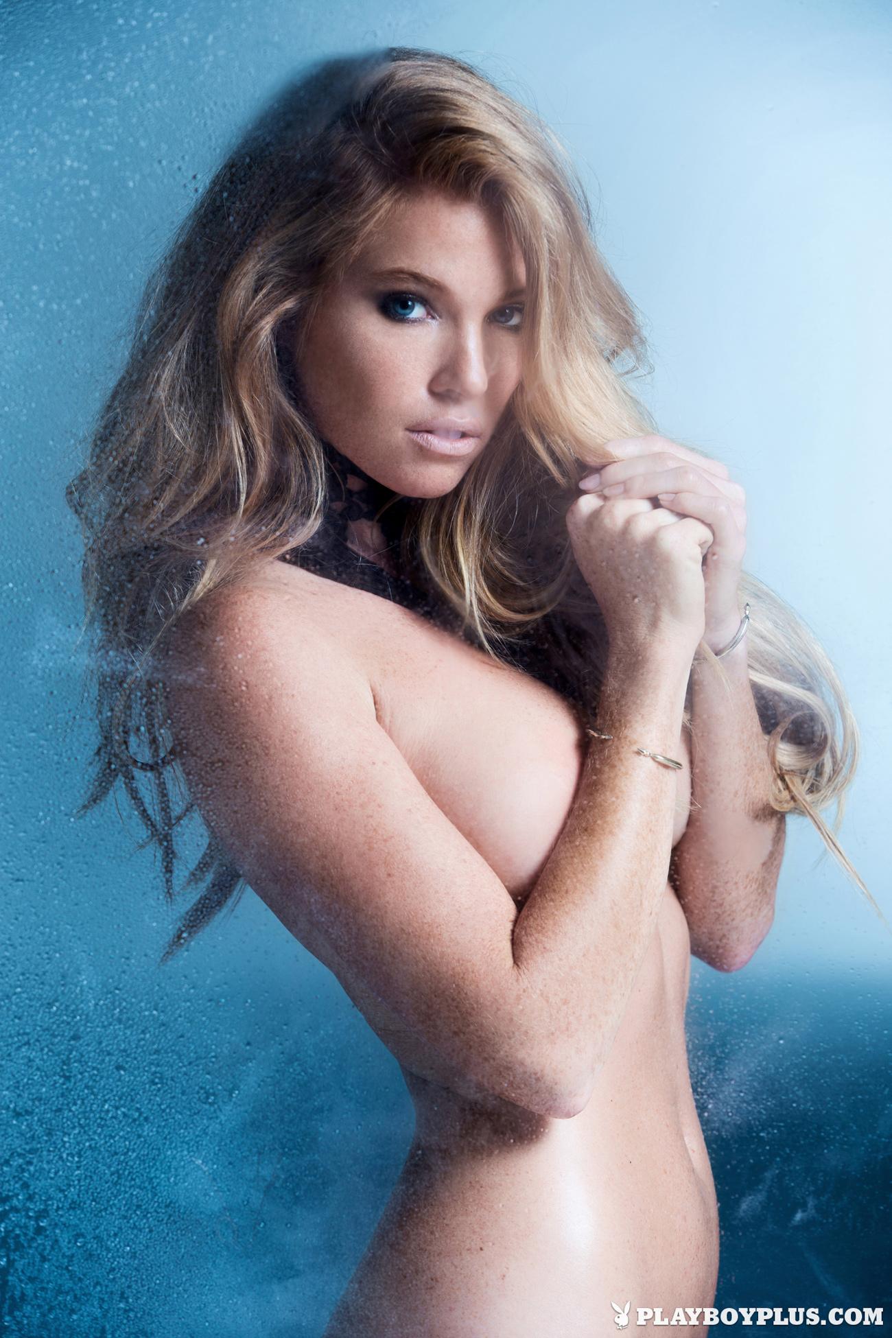 elizabeth-ostrander-redhead-ice-nude-playboy-12