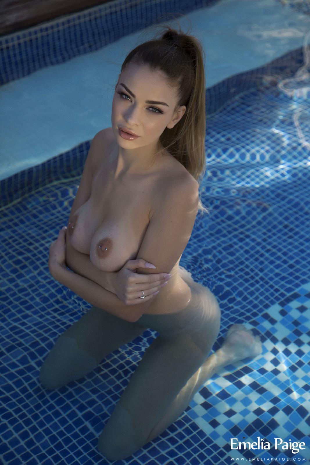 emelia-paige-pool-tits-naked-pink-bikini-wet-33