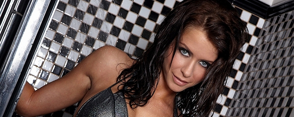 Emily Addison – Shower in bikini