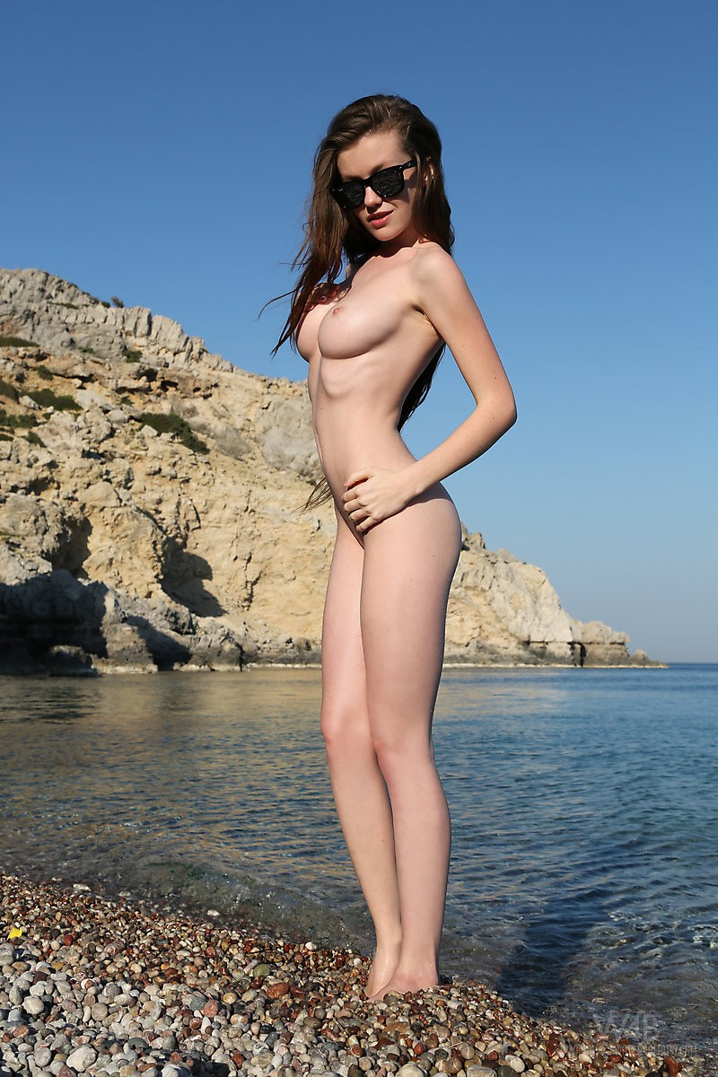 Emily Bloom  Seaside - Redbust-3776