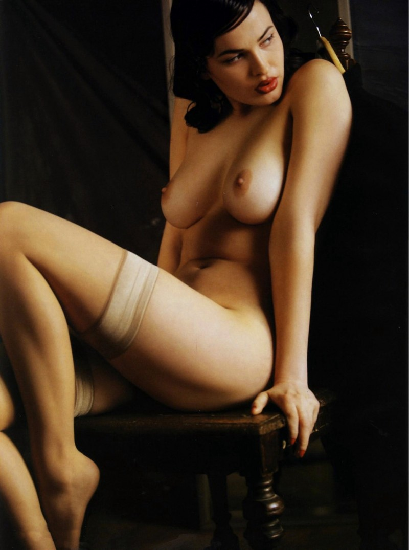 Were erotic gallery photography public