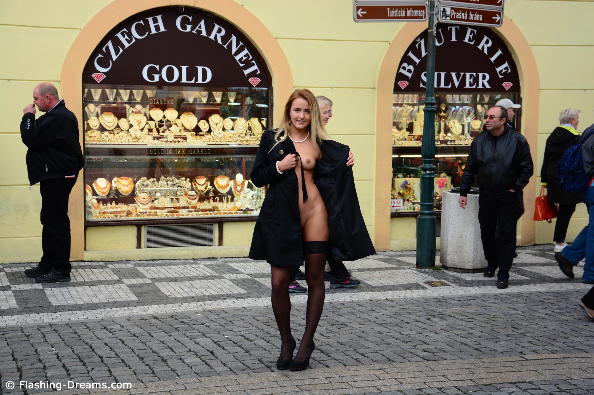 eva-kerstin-blonde-stockings-flash-in-public-nude-prague-50