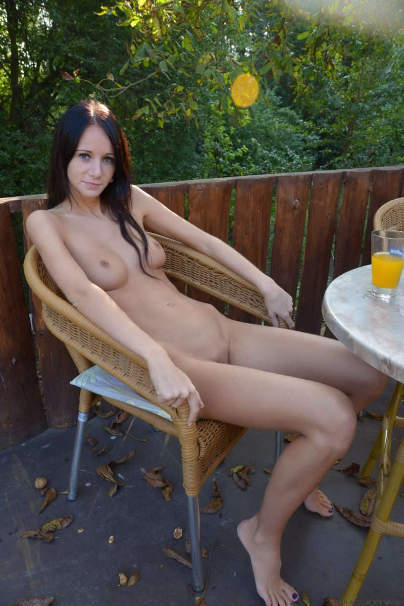 martina nude in public