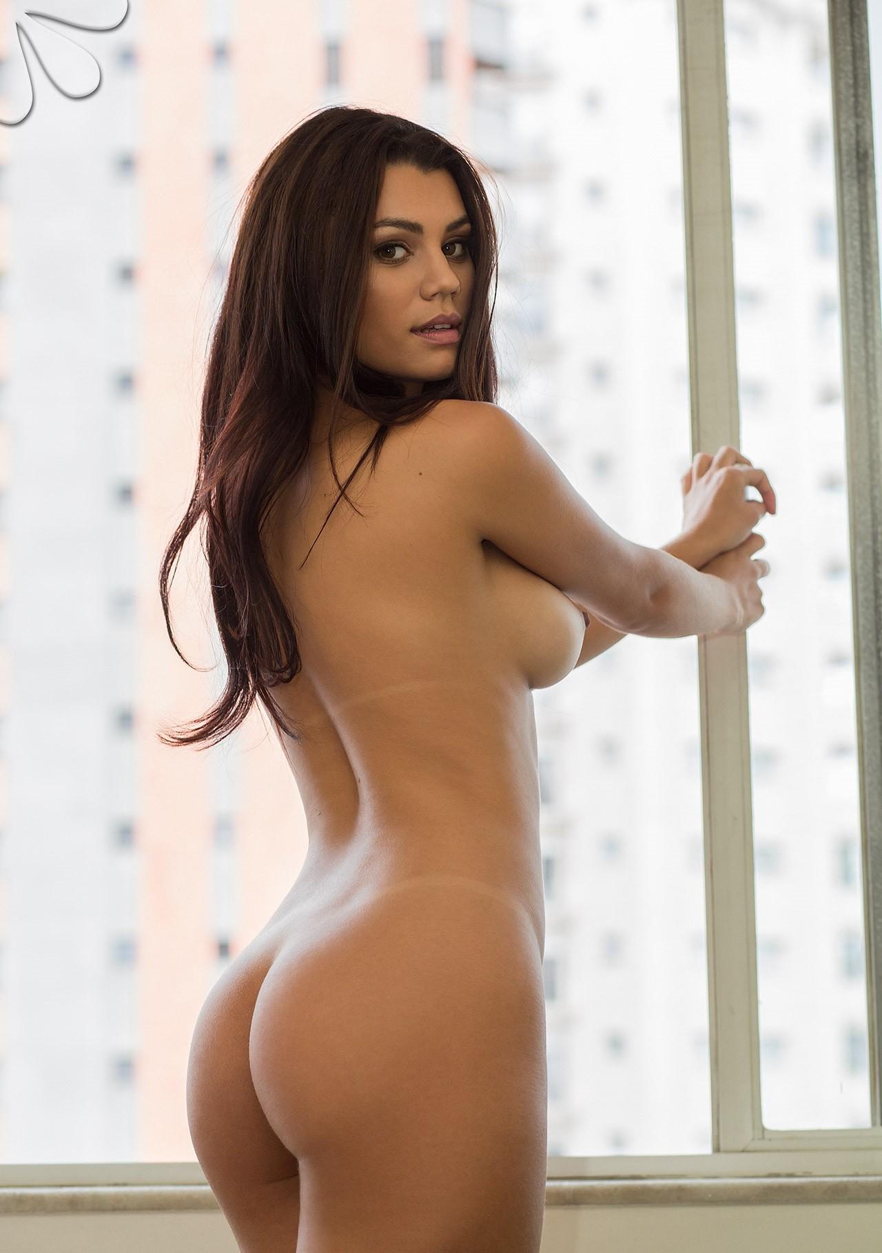 francielli-fontana-nude-brazilian-black-lingerie-camera-bellada-semana-16