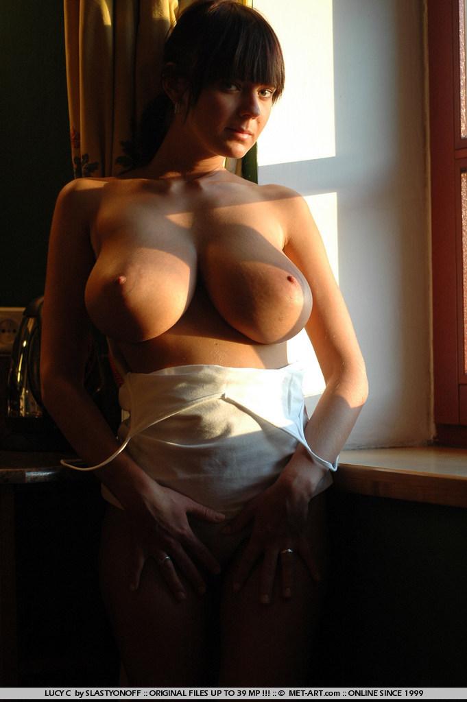 lucy-c-huge-boobs-nude-sunlight-met-art-03
