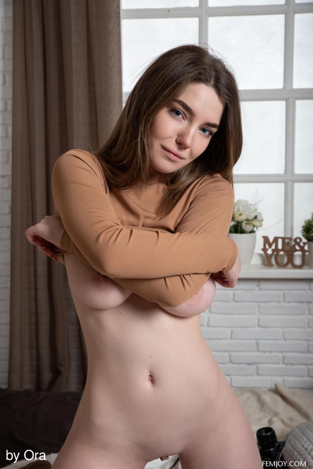 kiere-bodysuit-boobs-naked-socks-bedroom-femjoy-05