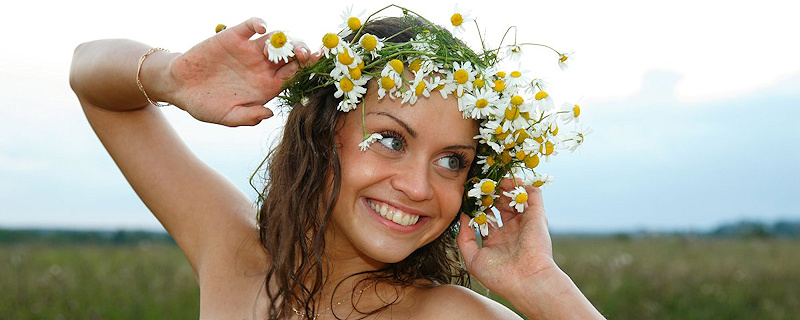 Dagmar – Girl with a wildflower wreath