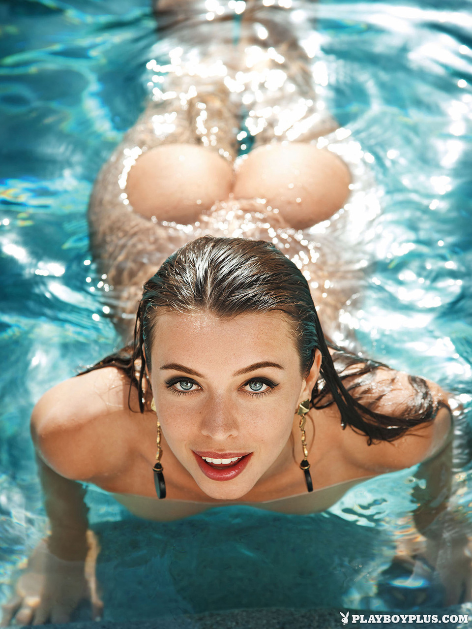 girls-nude-in-pool-wet-photo-mix-vol6-23