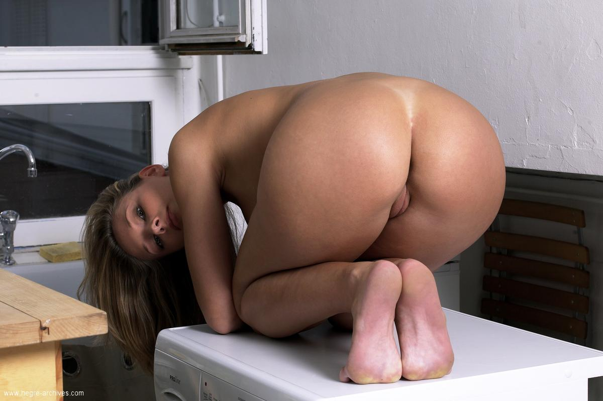 laundry-girls-nude-washing-machine-photo-mix-31