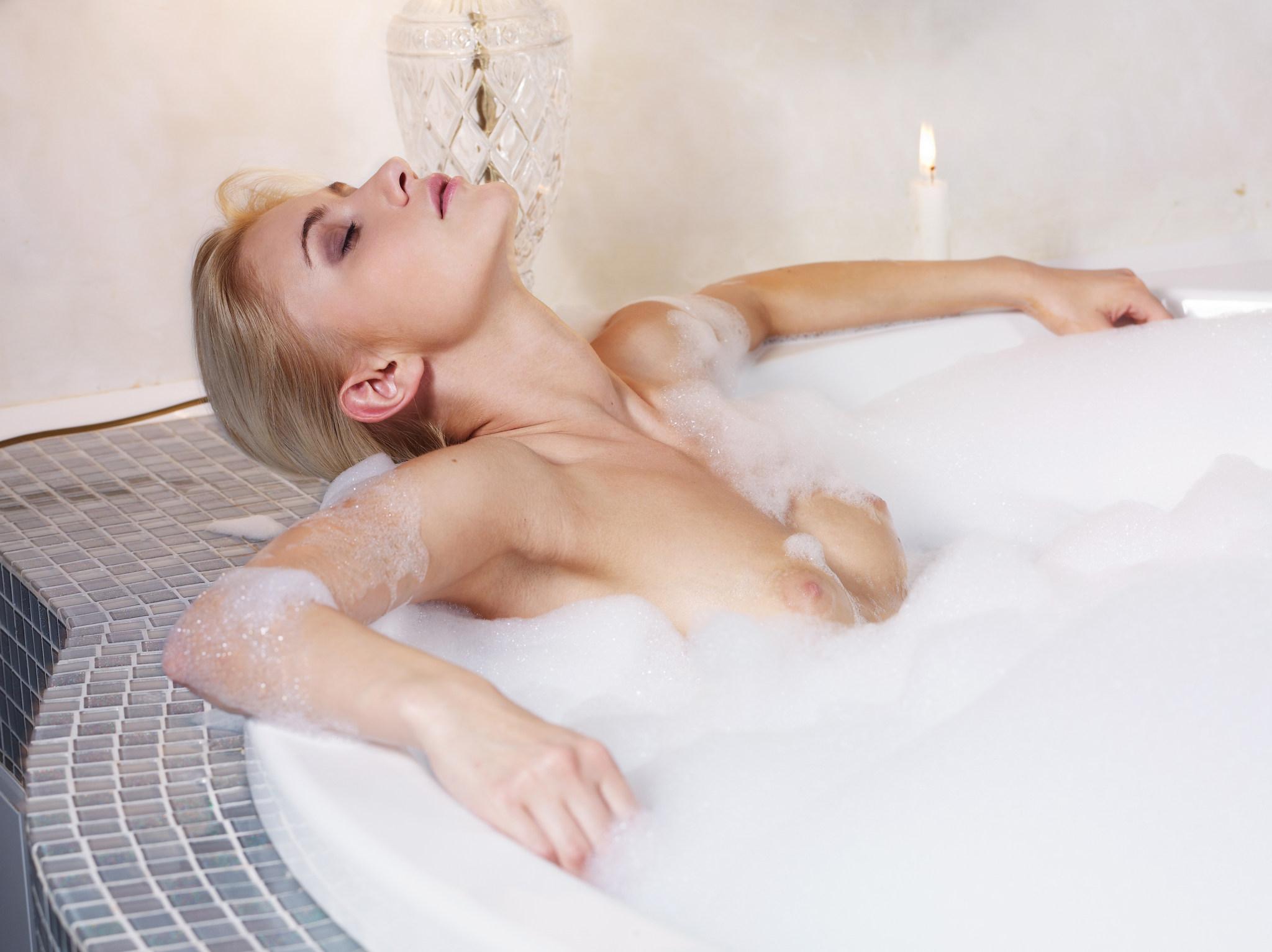 naked-girls-taking-bath-boobs-wet-mix-vol4-01