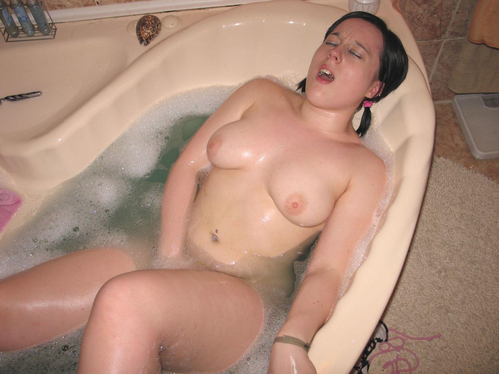 collegian girl nude sex in bathroom