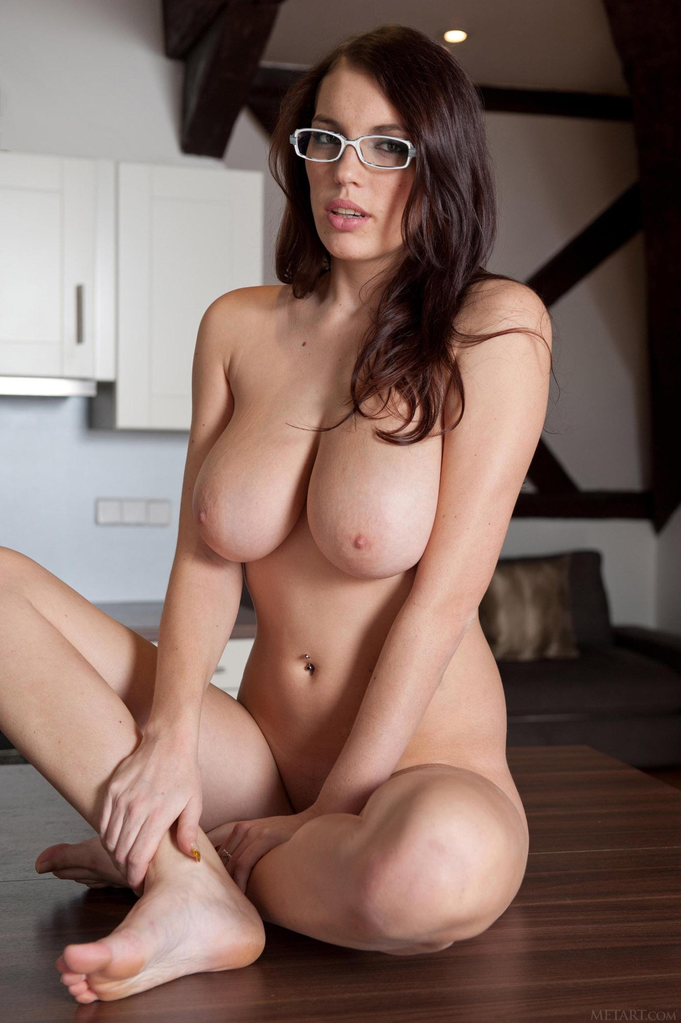 Busty Mixed Girl