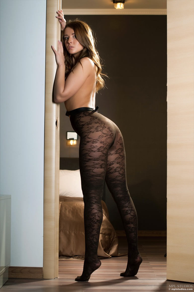 naked-girls-in-tights-pantyhose-mix-vol3-82