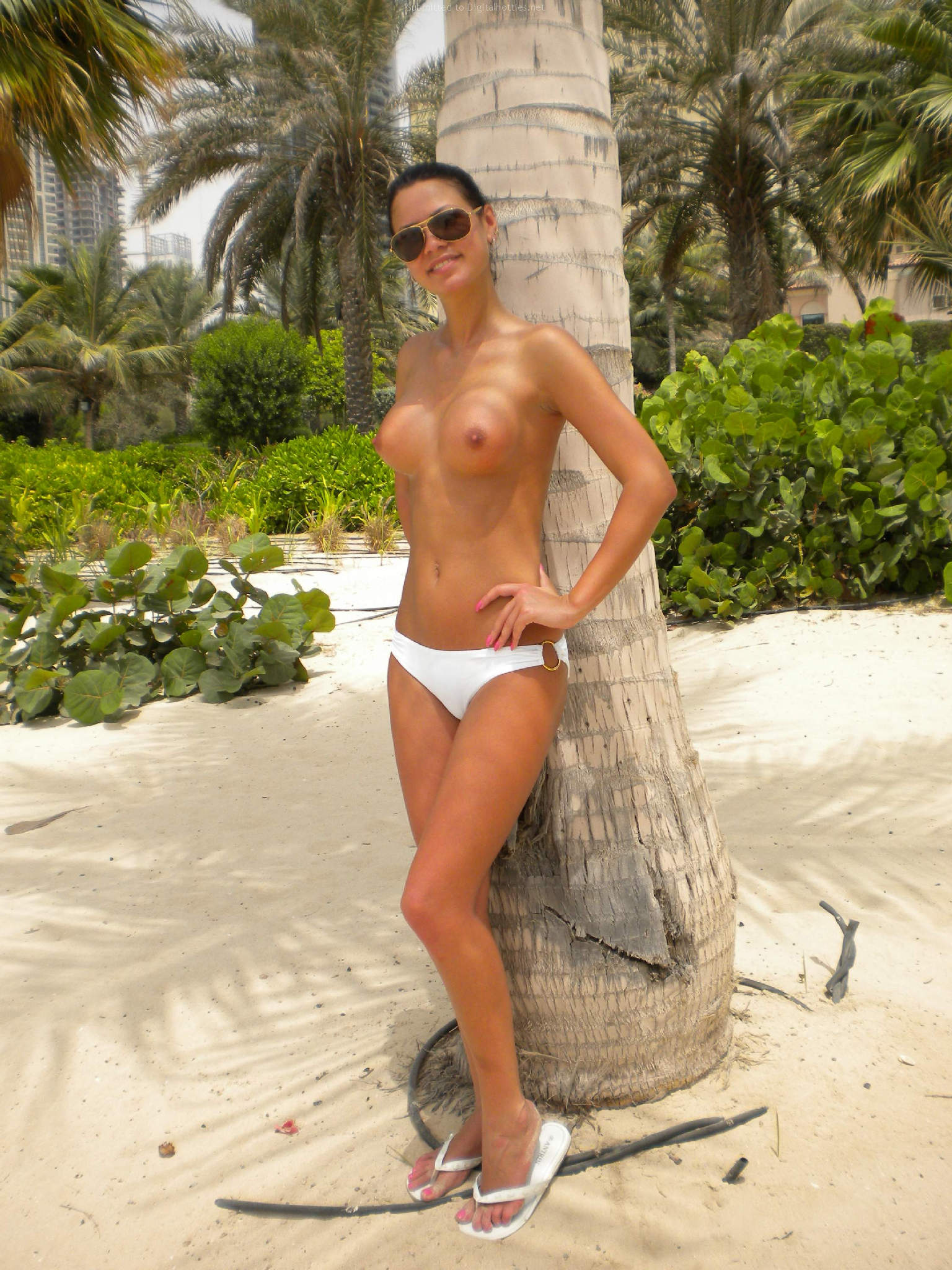 nude-girls-sunglasses-boobs-naked-mix-14
