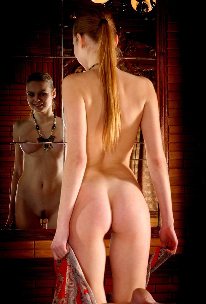 girls-in-the-mirror-36