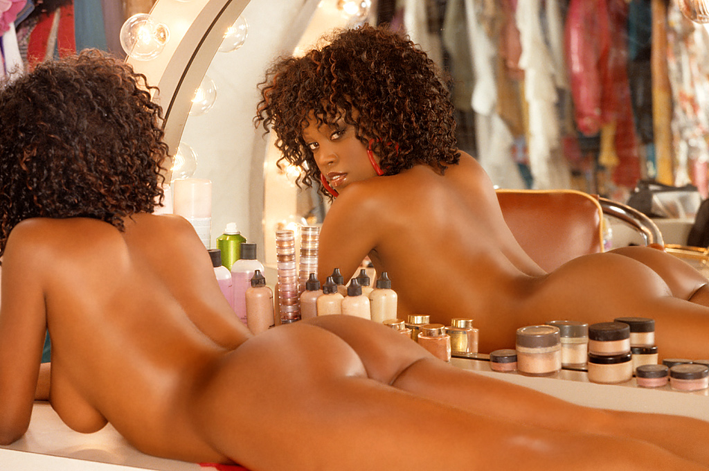 girls-in-the-mirror-37