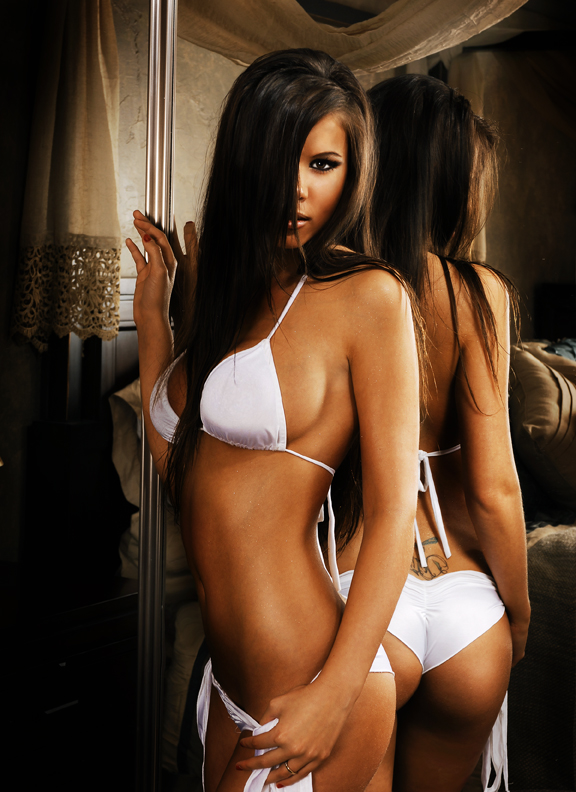 girls-in-the-mirror-54