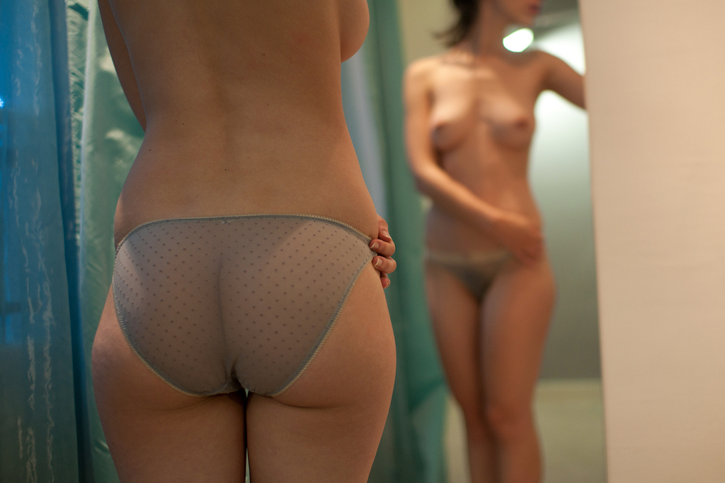 girls-in-the-mirror-62