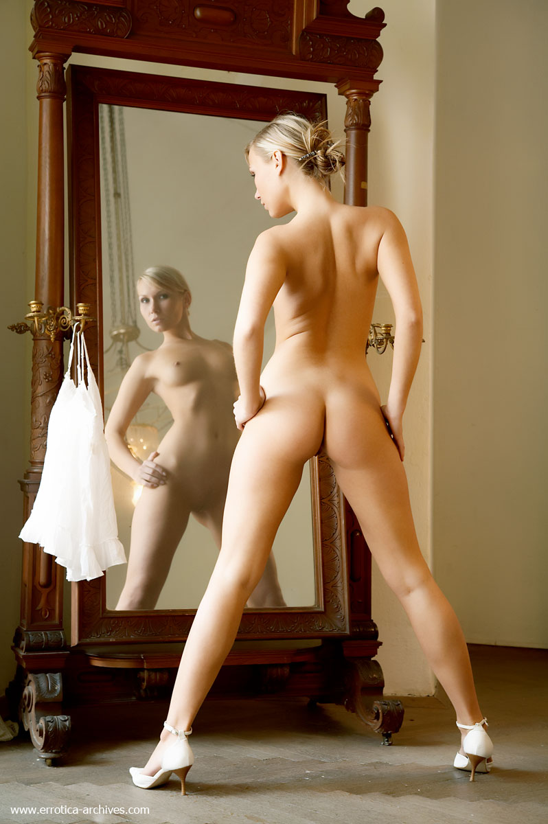 girls-in-the-mirror-90