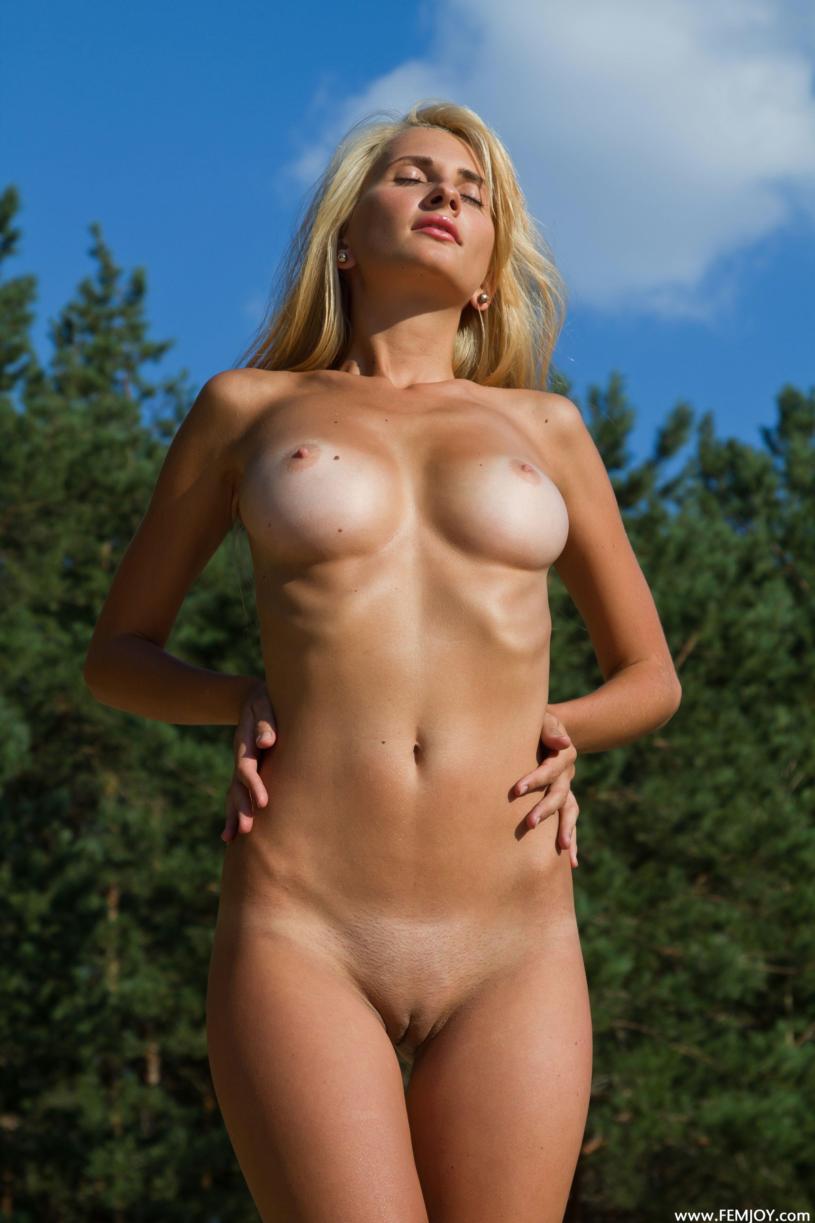 hot naked girls tan line