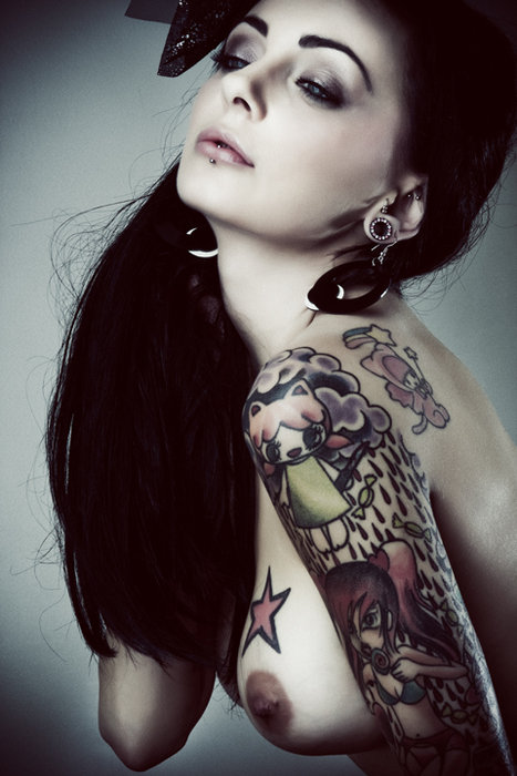 girls-with-tattoos-84