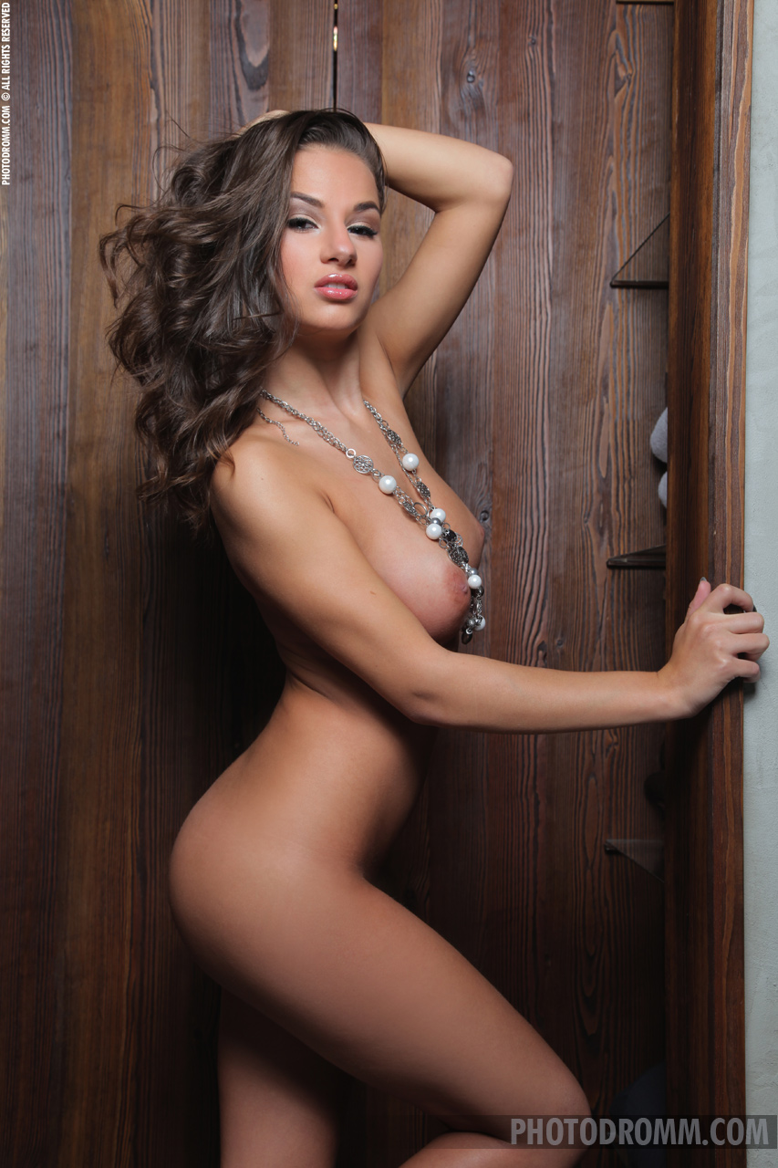 Gloria topless pictures girls doing guys
