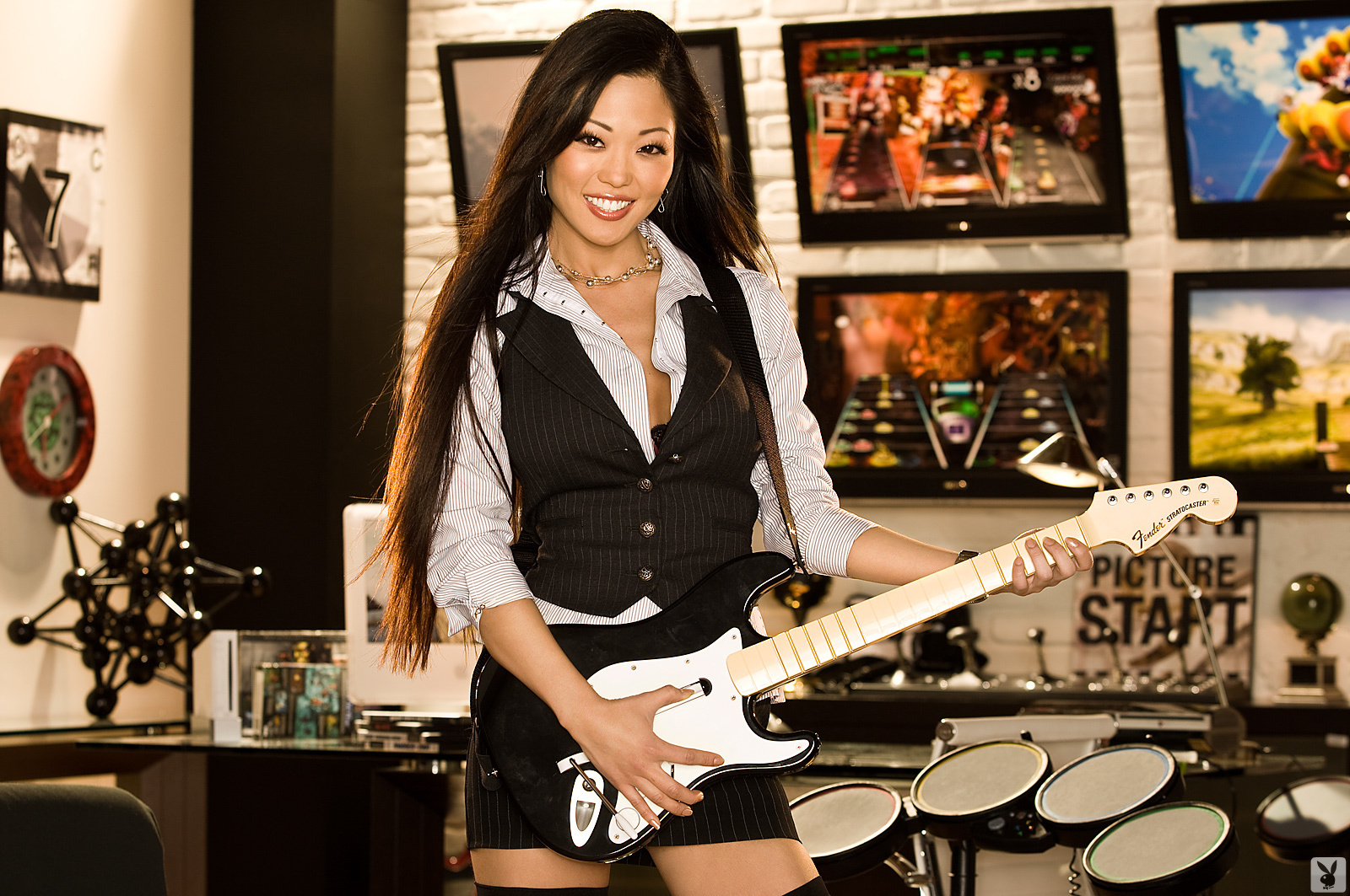 grace-kim-guitar-stockings-naked-asian-playboy-02
