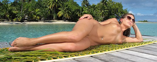 Gracie Glam on tropical island