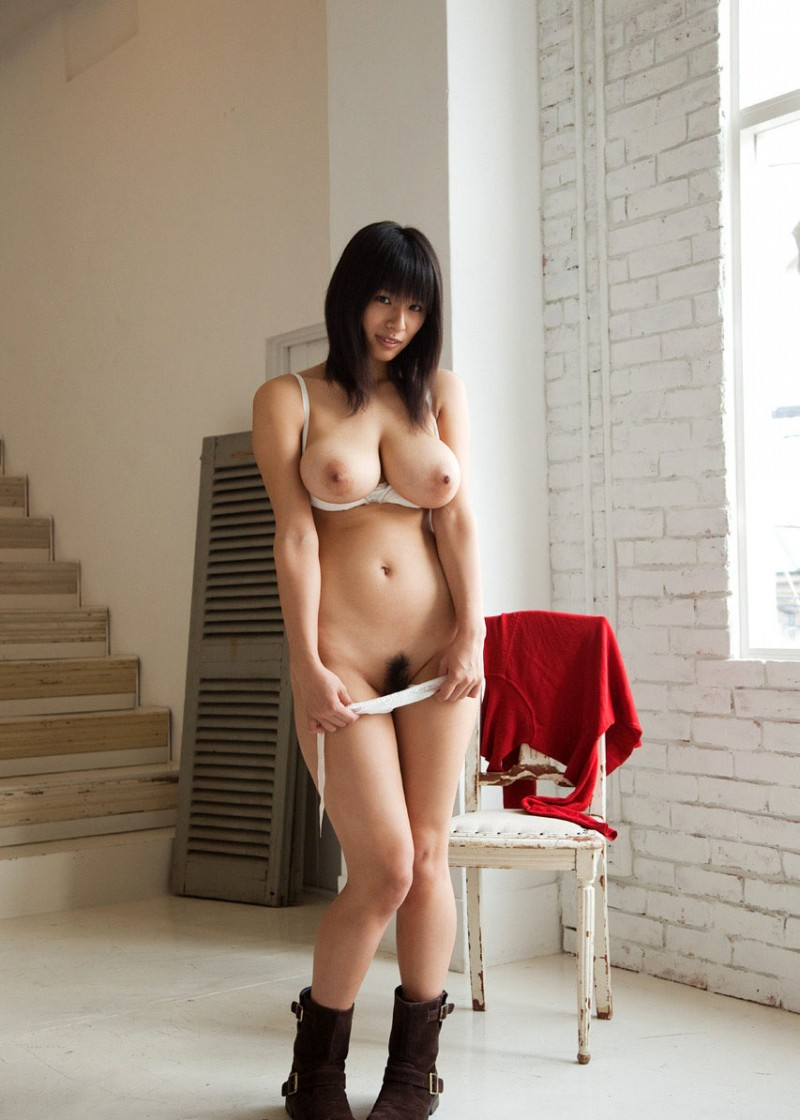 chinese busty naked girl