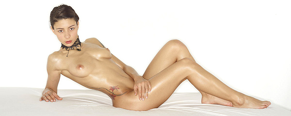 Hannah – Oiled body