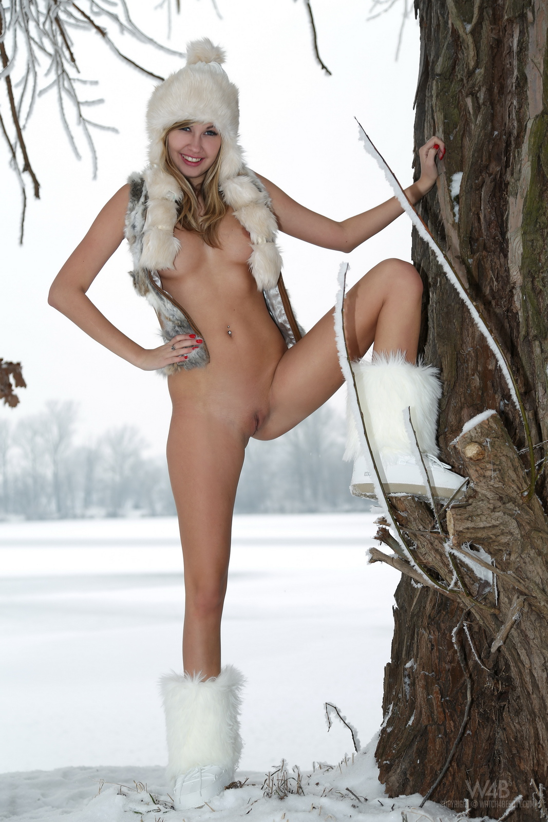 Britney Snow Naked