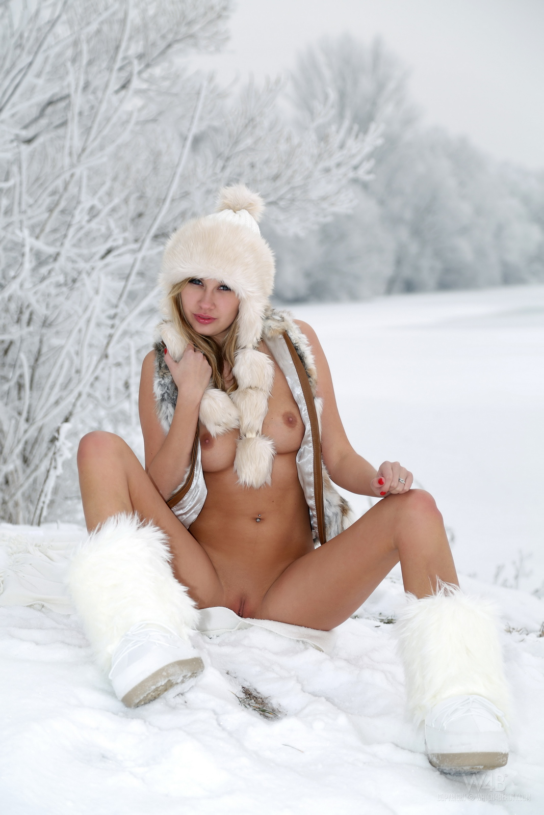 Naked snow sex