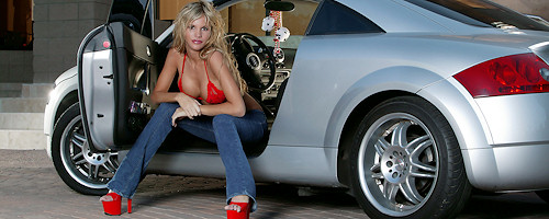 Hot blond and her Audi TT
