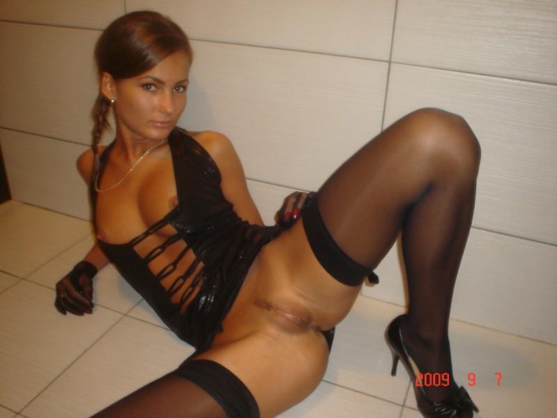 Nude katrina kaif showing her boobs