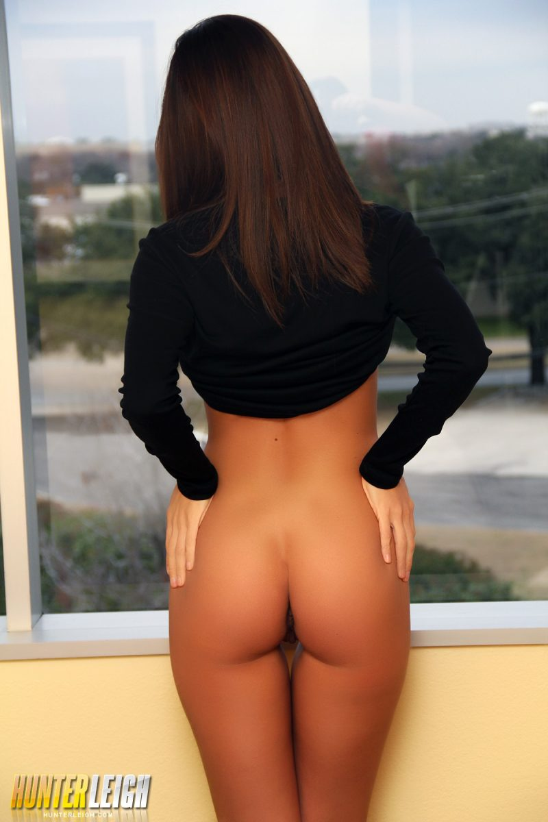 mind the gap girls naked ass